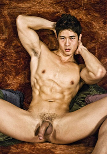 hot-peter-fever-posing-naked